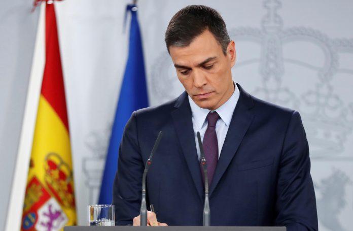 El presidente del Gobierno, Pedro Sánchez, durante su comparecencia, en el Palacio de la Moncloa en la que anunció la disolución de las Cortes.