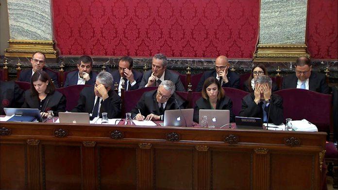 """El oficial de la Guardia Civil señaló en el juicio que """"Cataluña era un polvorín"""" desde los registros del 20-S."""