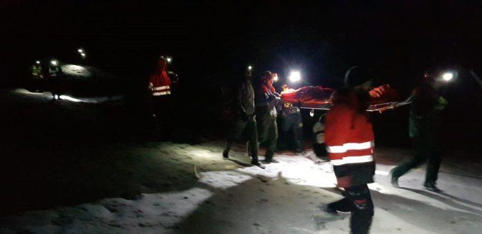 Una mujer de 73 años requirió ser evacuada en camilla por hipotermia.