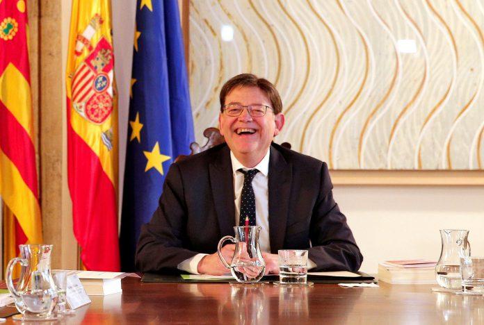 Ximo Puig preside la reunión extraordinaria del pleno del Consell.