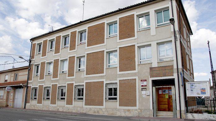 Las maquetas deberán presentarse en el centro cultural 'Los Pinares'.
