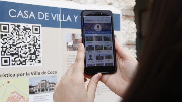 Los nuevos puntos de información turística dan acceso a una página web con información relevante de la villa.