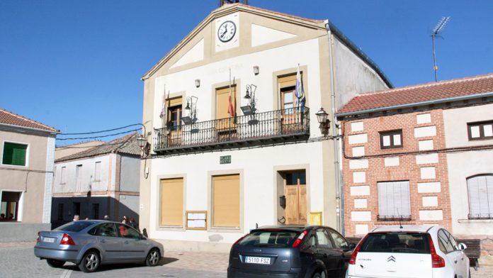 Fachada del Ayuntamiento de San Martín y Mudrián. / F.D.