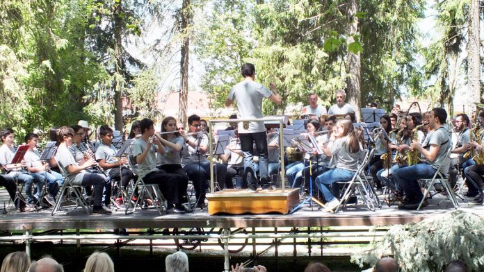 Integrantes de la Escuela de Música de El Espinar, en una imagen de archivo. / e.a.
