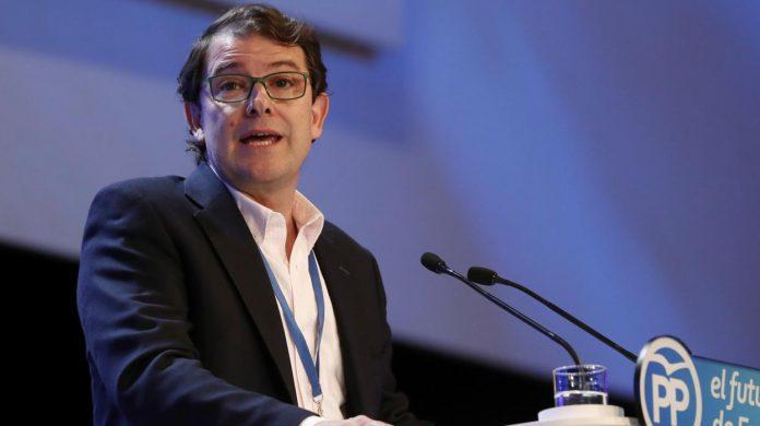 El presidente del PP regional y candidato a gobernar la región, Alfonso Fernández Mañueco, en un acto pasado.