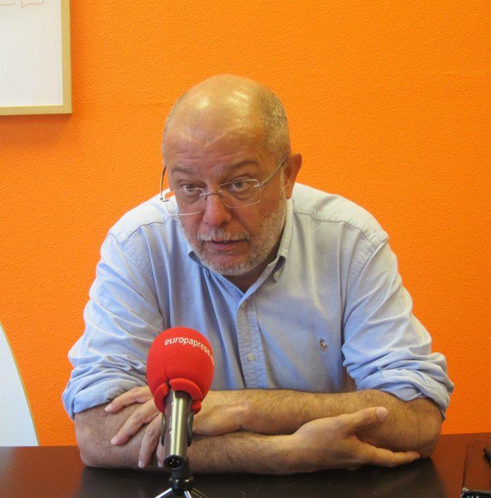 Francisco Igea asegura no tener contactos con Silvia Clemente.