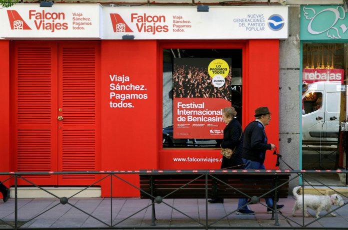 Fachada de Falcon Viajes en el número 56 de la madrileña calle Ferraz.