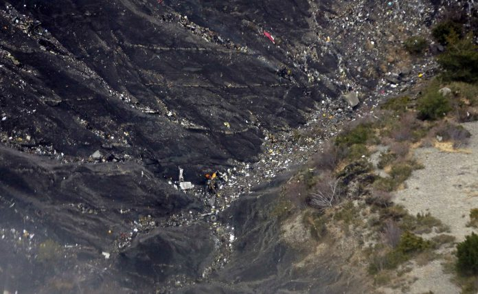 Imagen de archivo del accidente de Germanwings el 24 de marzo de 2015, en los Alpes franceses.
