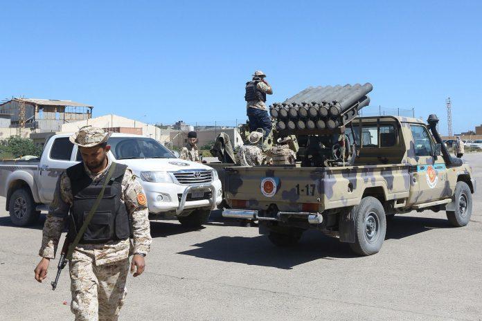 Las tropas afines al GNA se preparan para lanzar una ofensiva para expulsar a las tropas de Haftar de Trípoli.