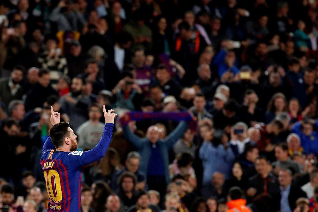 El delantero blaugrana Lionel Messi celebra el único tanto del partido que da al Barça un nuevo título de Liga a falta de tres jornadas para concluir la competición.