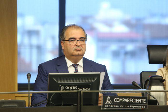 El expresidente de Banco Popular, Ángel Ron, en el Congreso.