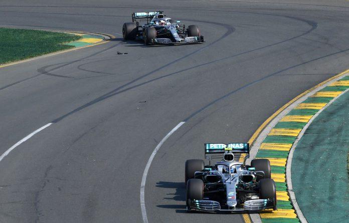 Hamilton y Bottas saldrán a la pista para intentar inclinar la balanza del favorito de Mercedes.