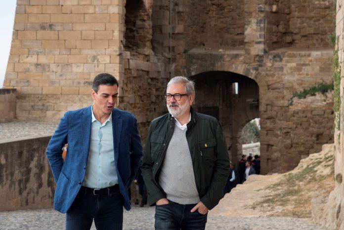EL presidente del Gobierno y candidato a la reelección, Pedro Sánchez (i).