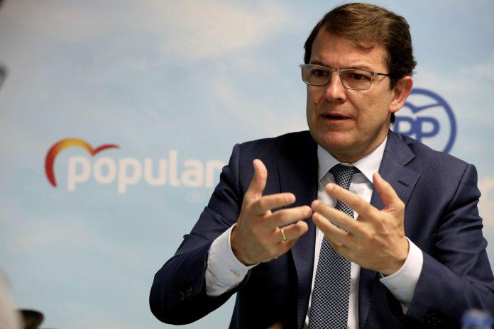 El líder popular define como correcto su trato con Francisco Igea, de Cs.