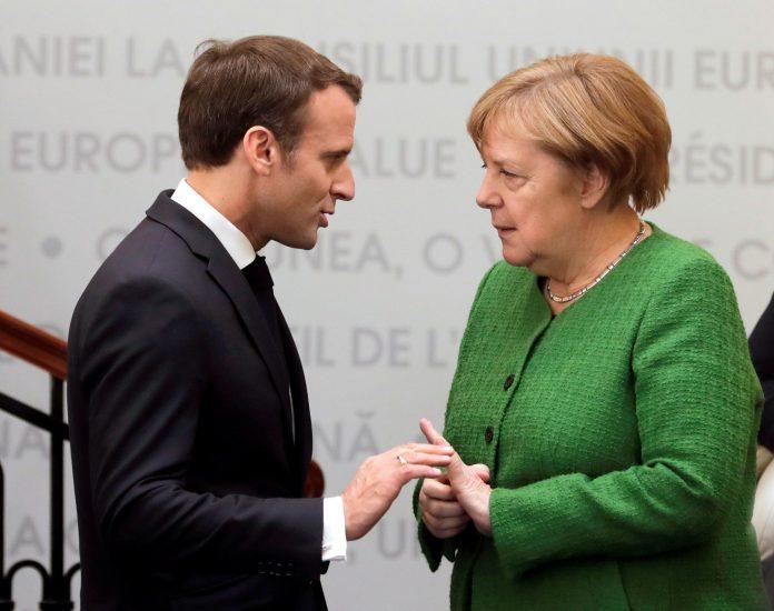 El presidente Emmanuel Macron y la canciller Angela Merkel en Sibiu.