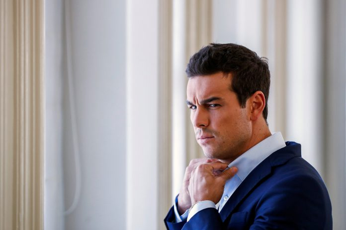 El actor madrileño Mario Casas posa ante los medios durante su última entrevista.