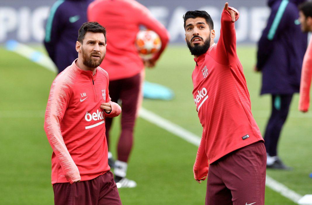 Leo Messi y Luis Suárez (dcha), durante el entrenamiento del Barça previo a la vuelta de semifinales de la Champions en Anfield, donde el uruguayo jugó como local durante tres temporadas y media.