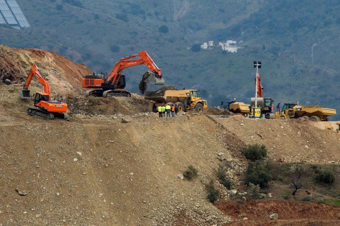 Los laboriosos trabajos para sacar al pequeño Julen del pozo de Totalán donde murió duraron varios días.