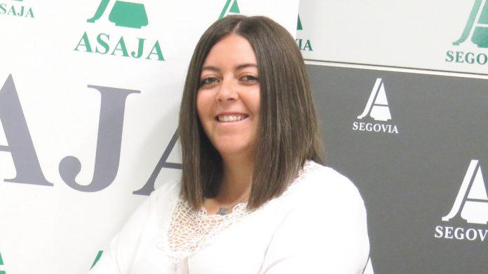 Lucía López García, ganadera, 24 años.