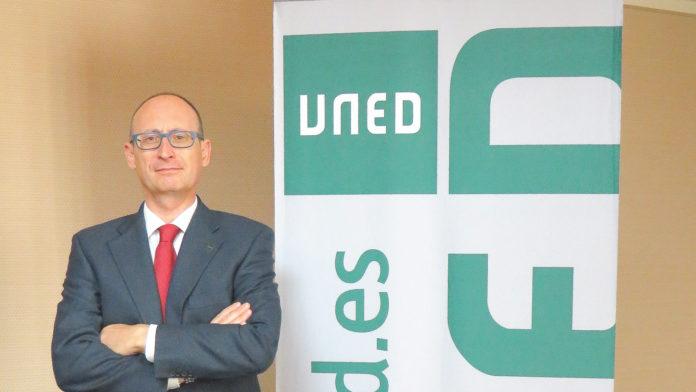 Víctor M. González Sánchez, director del Centro Asociado de la UNED en Segovia y, director del Campus Noroeste (Galicia, Asturias, Castilla y León y Extremadura)
