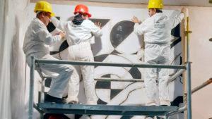 Alumnos del 'Andrés Laguna' y de la Casa de los Picos crean un esgrafiado