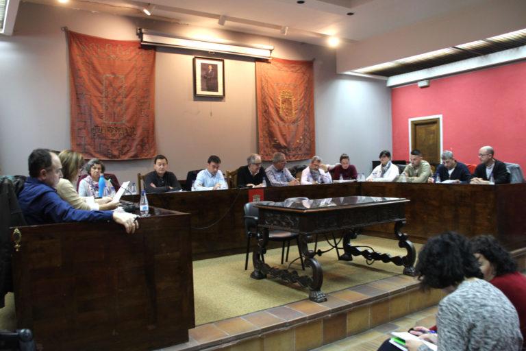 Cuéllar: PP y Ciudadanos abandonan el pleno tras su inicio