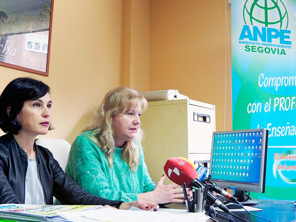 Sandra García Pecharromán y Cristina Olmos Adeva, representantes de STE Segovia y Anpe.