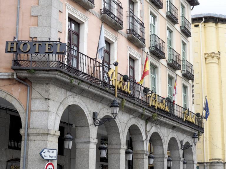 Las pernoctaciones en hoteles siguen en caída: 64,8% en octubre