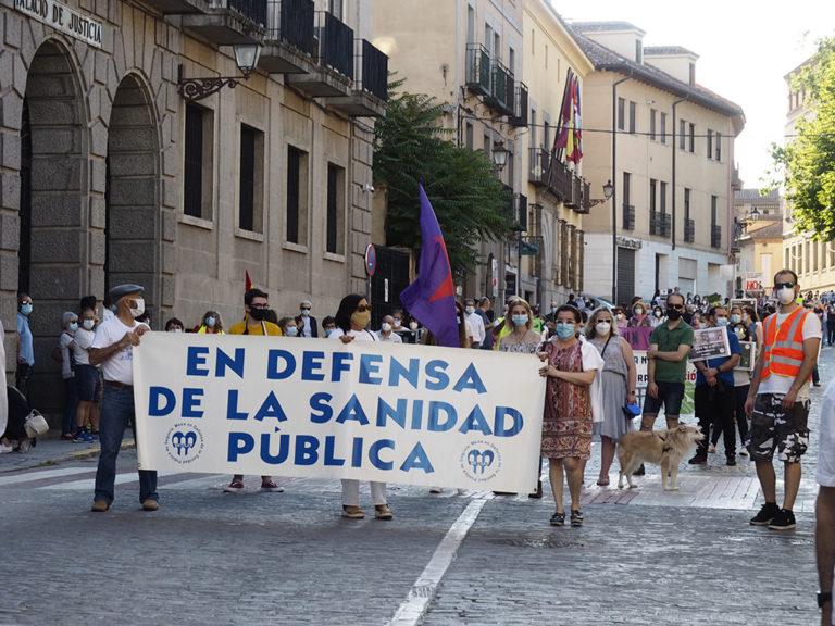 Galería fotográfica de la concentración en defensa de la sanidad pública