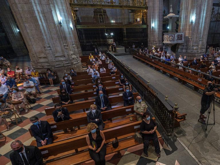 Misa funeral por las víctimas del coronavirus en la catedral