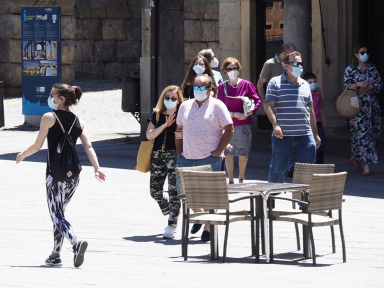 La Junta impone el uso obligatorio de la mascarilla este sábado