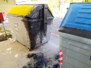 Indignación por la quema de contenedores de basura