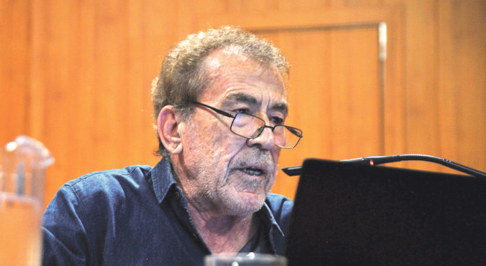 Fernández Sánchez Dragó. KAMARERO.