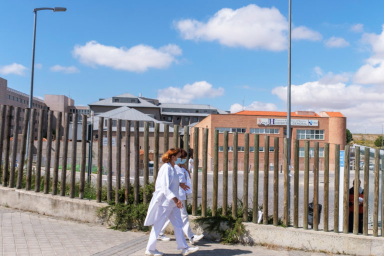 El número de hospitalizados sube a 16, dos más en las últimas horas