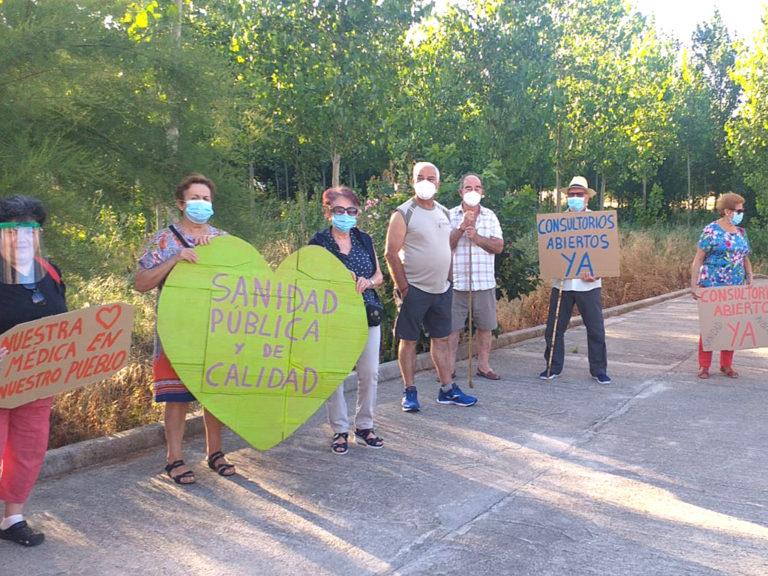 Los pueblos intensifican las protestas por los consultorios