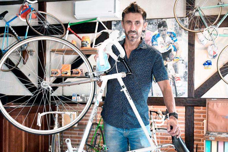 """De Santos: """"La experiencia del Tour le vendrá bien a La Vuelta"""""""