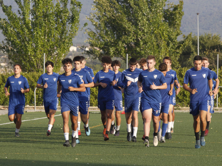 El equipo juvenil de la Segoviana se pone en marcha a las órdenes de Tito Domingo
