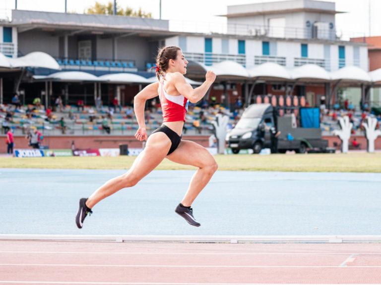 Ángela García, bronce en el campeonato de España absoluto de atletismo