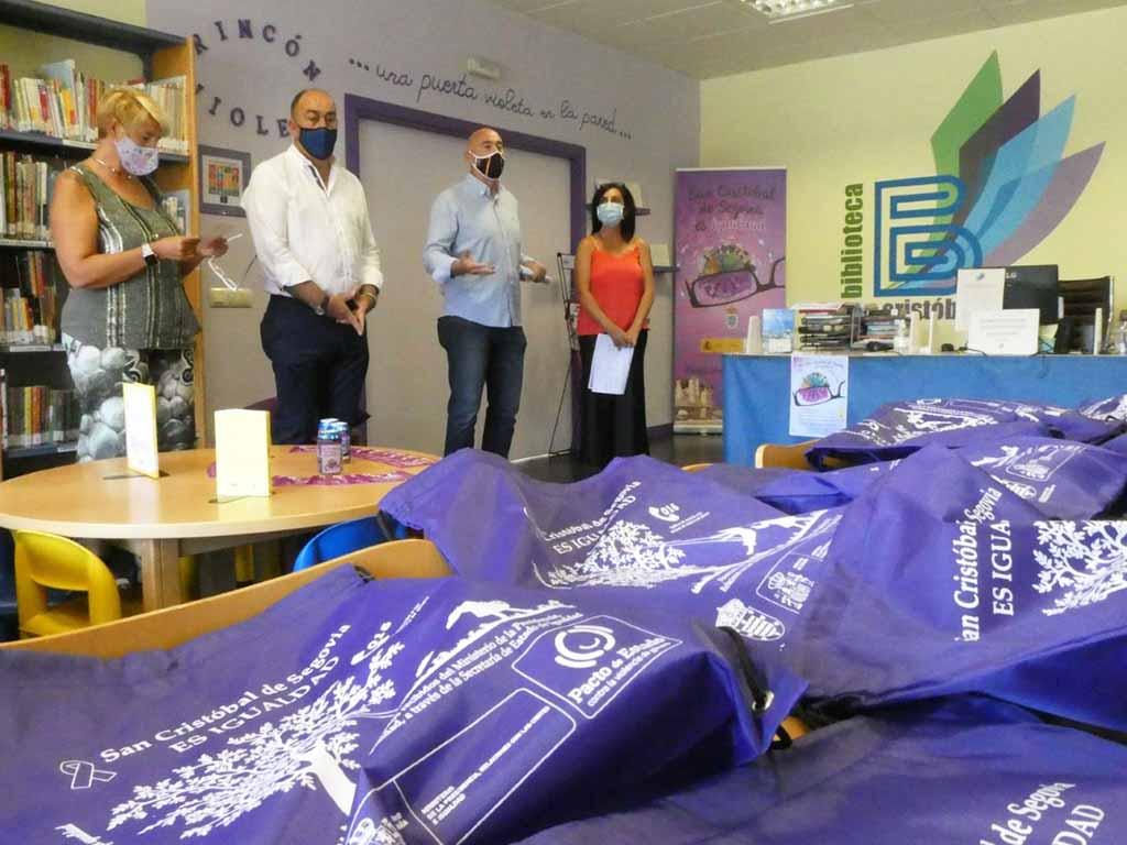 San Cristóbal inaugura el primer 'rincón violeta' de la provincia