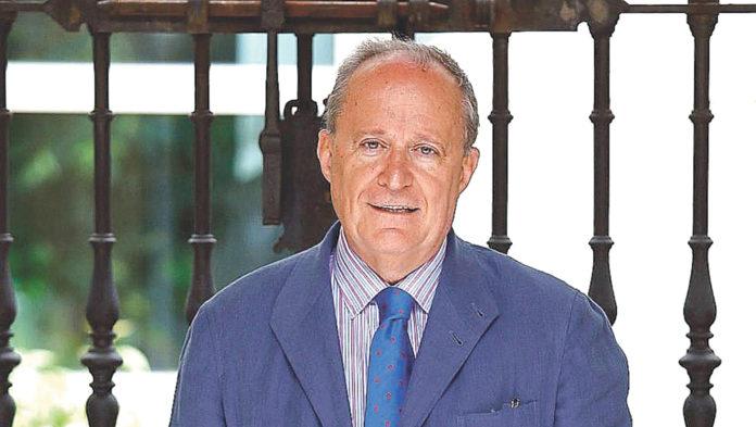 Fernando García de Cortázar, catedrático de Historia Contemporánea de Deusto.