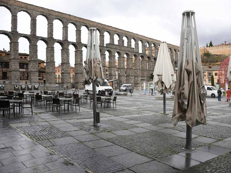 Segovia sube la verja: abren hostelería, centros deportivos y comerciales