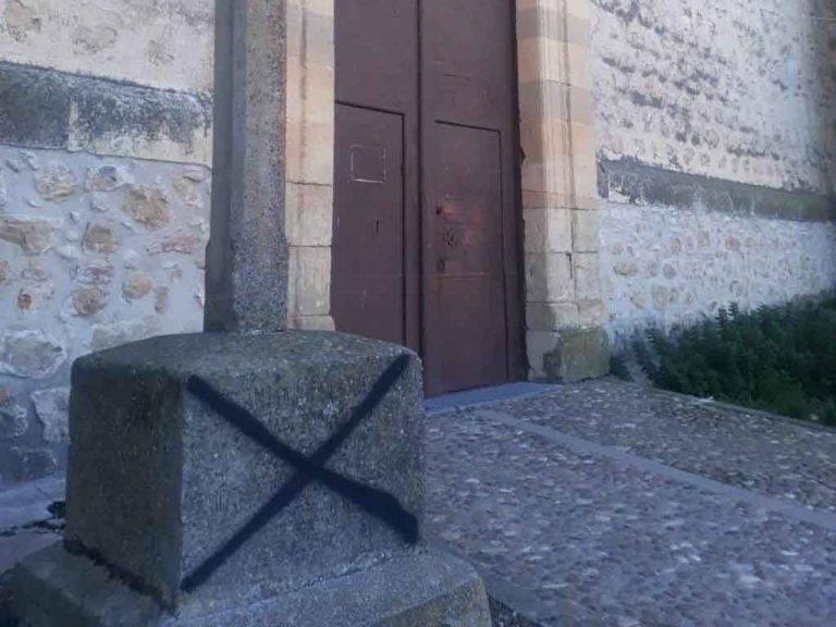 Qué dice una imagen   Ataque a la iglesia de Valseca en forma de pintada