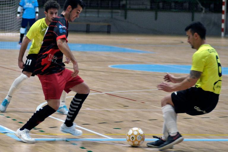 El Segosala empata en León pese a ponerse cuatro veces por delante (4-4)