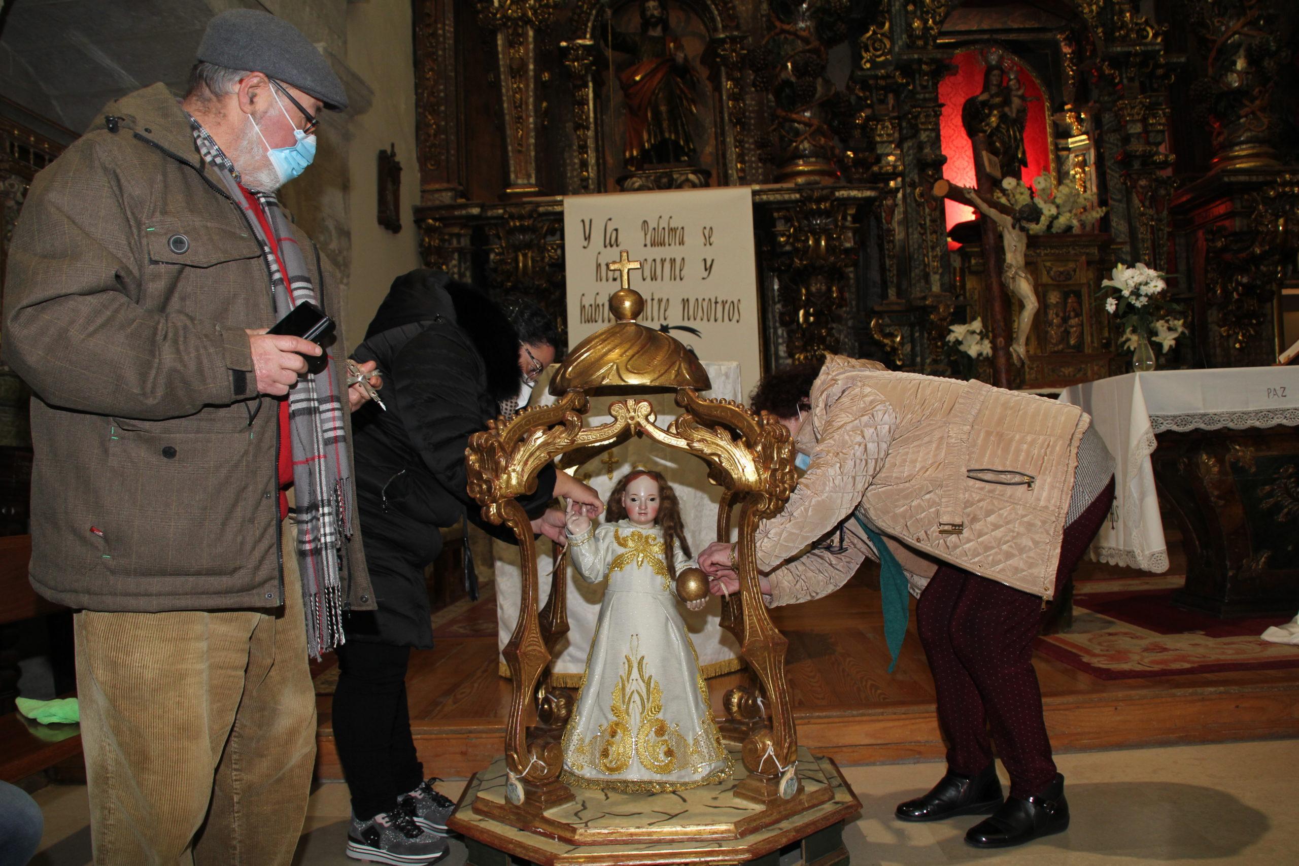 El Niño de la Bola preside en el templo de San Miguel de Cuéllar
