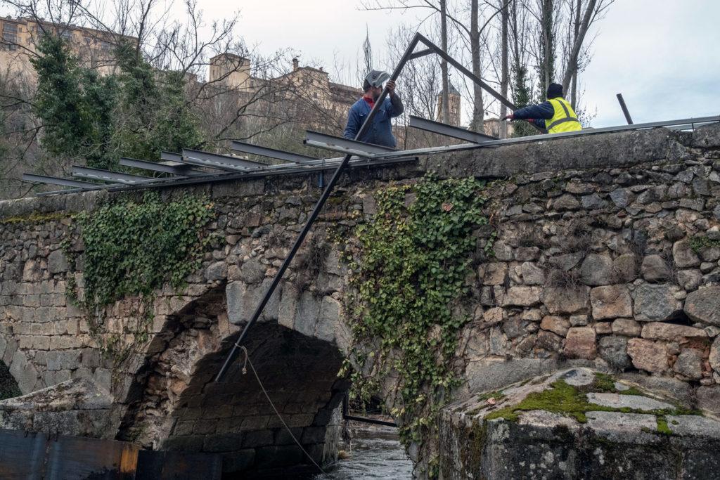 Comienzan las reparaciones de daños por la crecida del Eresma en Segovia
