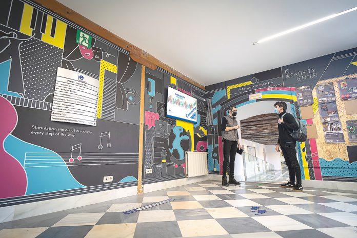 El espacio ha sido ideado como catalizador de diálogo e inspiración para jóvenes interesados en las artes, las humanidades y el emprendimiento. Roberto Arribas.
