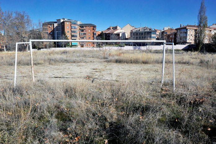 Colegio Claret Pista Atletismo Campo Futbol KAM6977