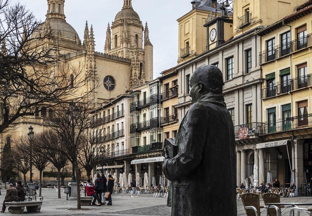 Estatua Antonio Machado Plaza Mayor
