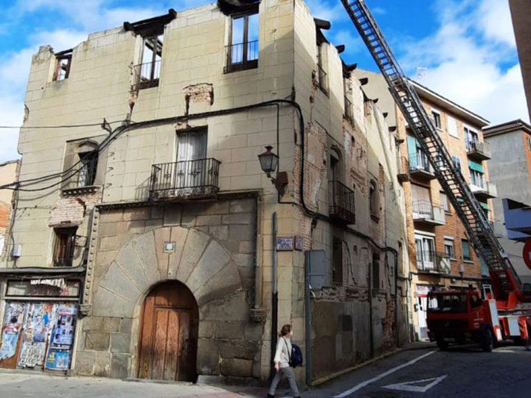 Ayuntamiento acometerá de forma subsidiaria las obras del edificio Buitrago y del talud del 'Carlos de Lecea'