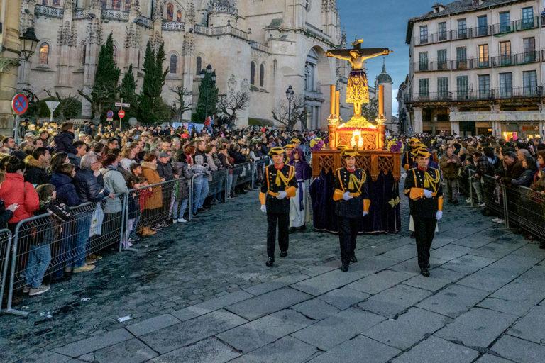 La Semana Santa se queda sin procesiones y actos masivos por la pandemia